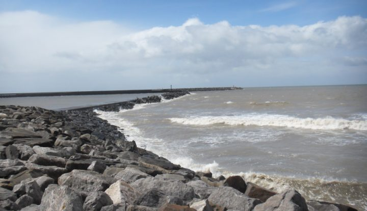 lee and main breakwater repairs